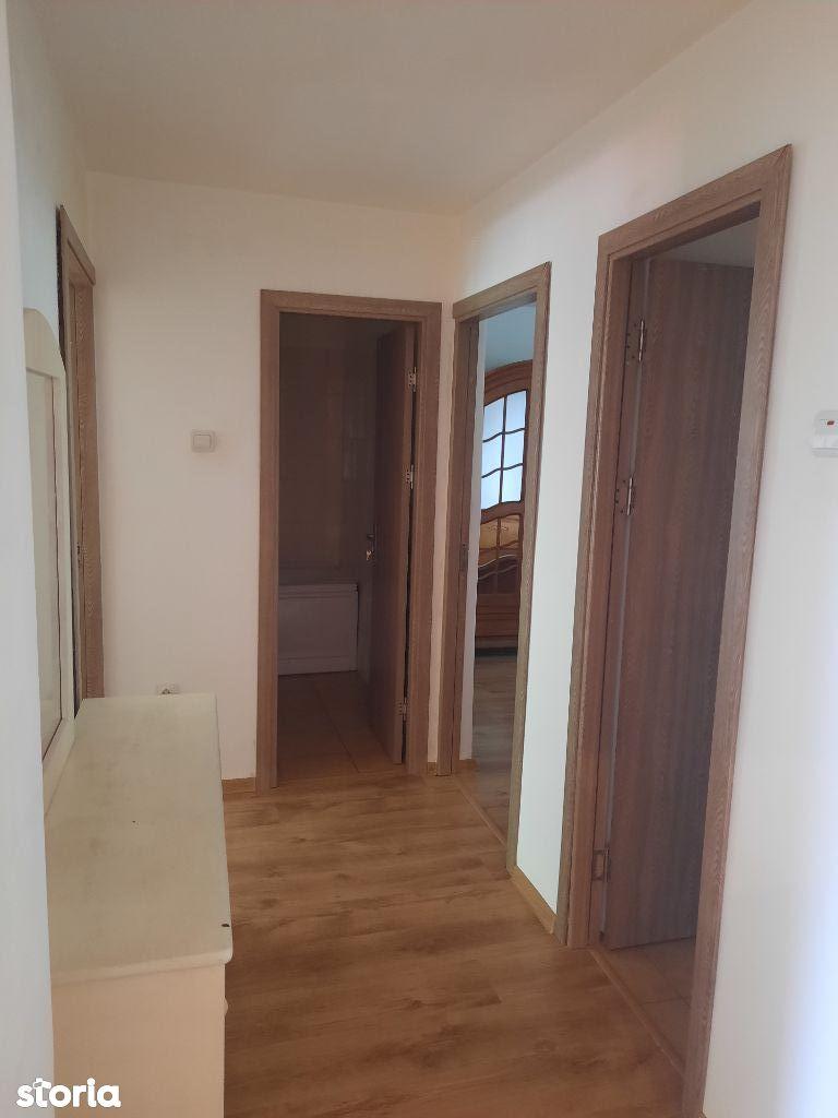 4 camere decomandate Calea Bucuresti (Putnei)