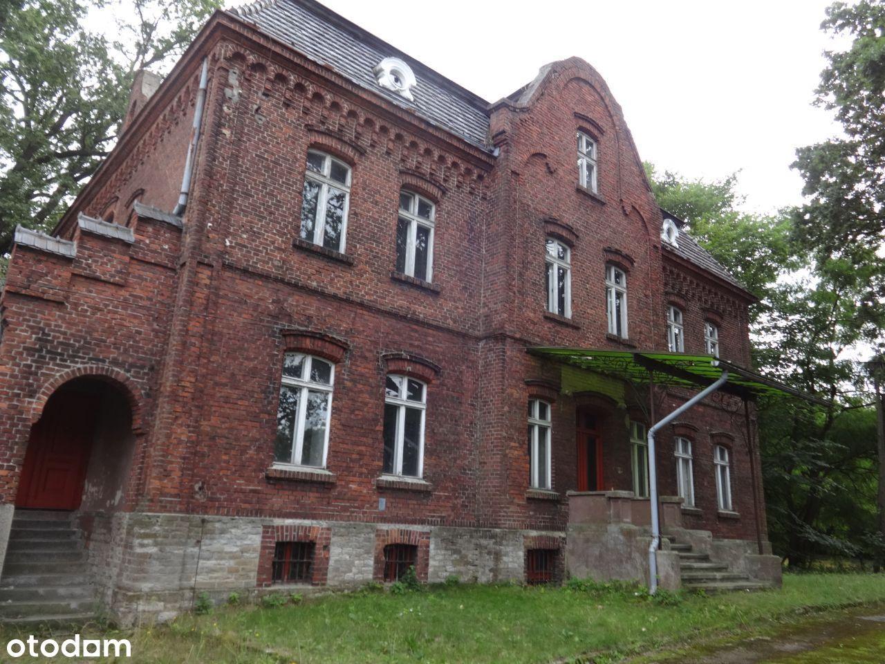Zespół dworski gm. Dobrodzień-11 ha UTR-REZERWACJA