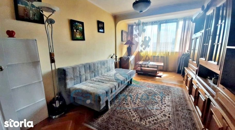 Apartament cu 4 camere de vanzare, Bulevardul Dacia, Oradea V2593