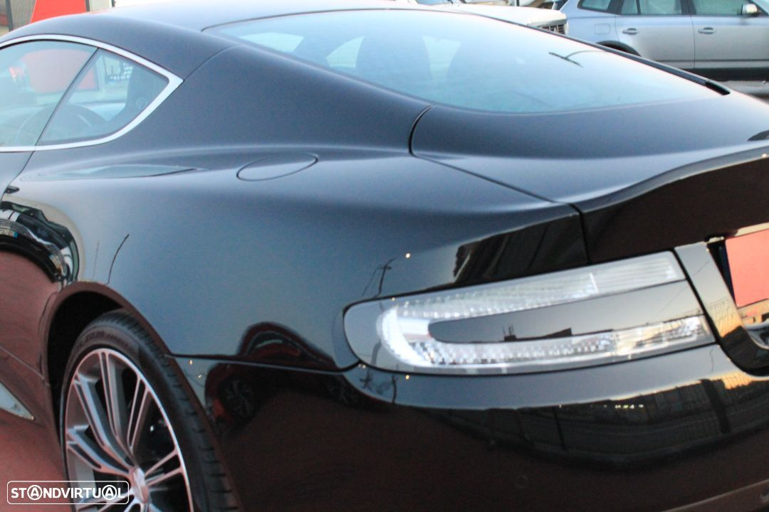 Aston Martin DB9 Coupe - 15
