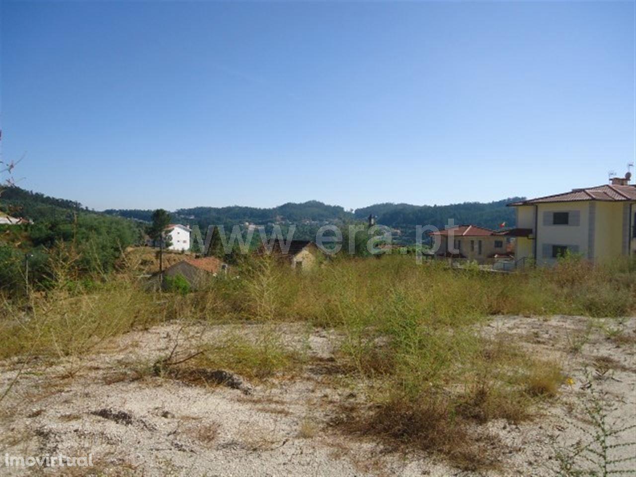Terreno de construção com 2.320 m2 em Silvares S. Clemente