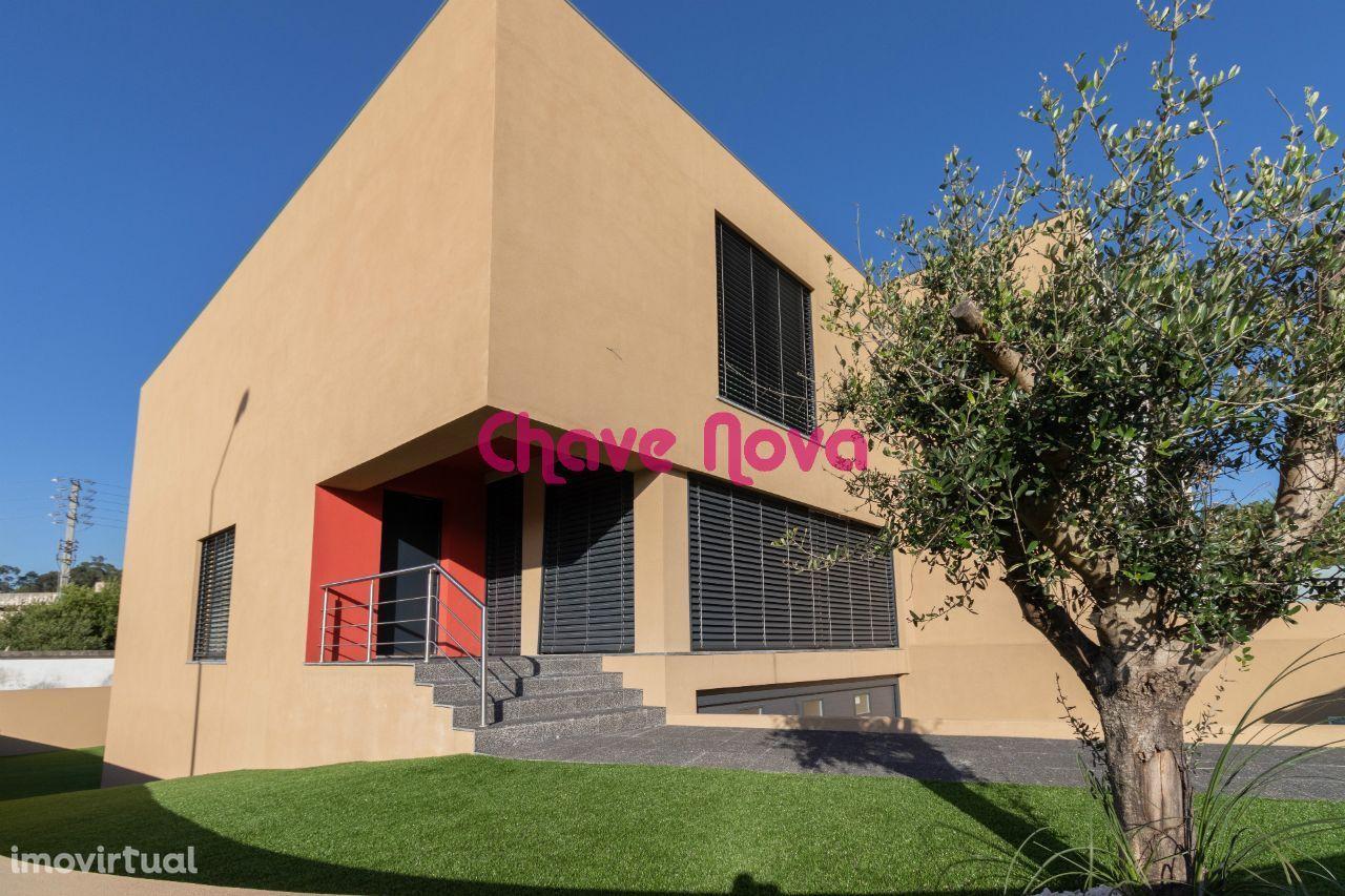 Exclusivo - Moradia de luxo de 3 quartos em Mozelos, como nova