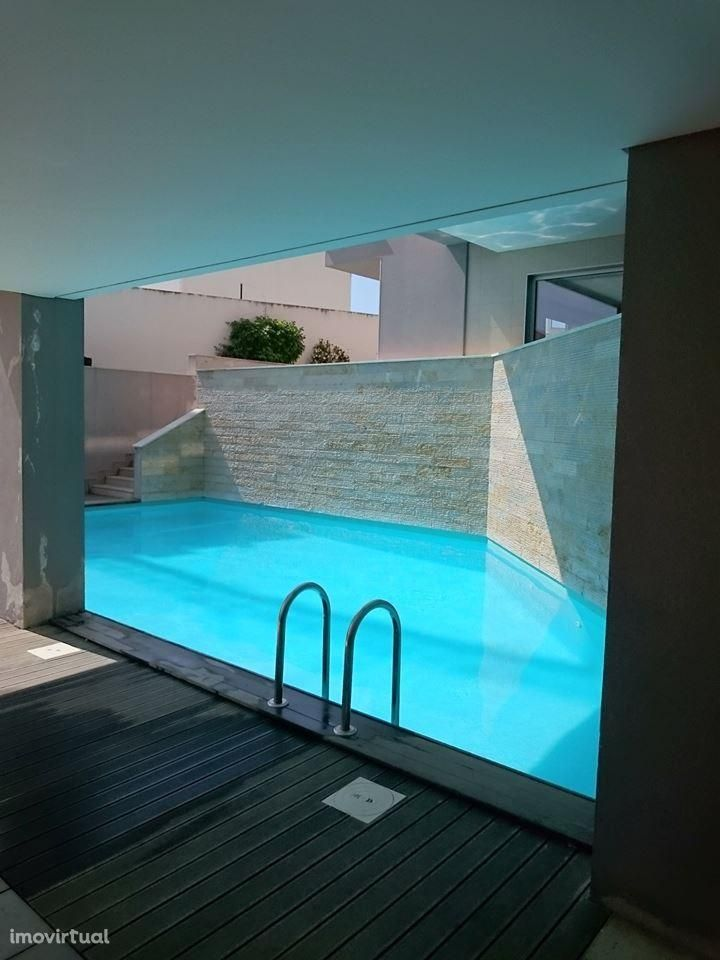 Apartamento T2 férias São Martinho do Porto piscina luxo