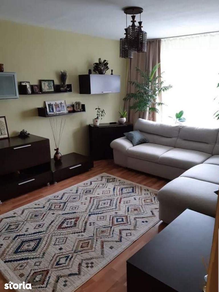 Apartament 3 camere decomandat Aradului