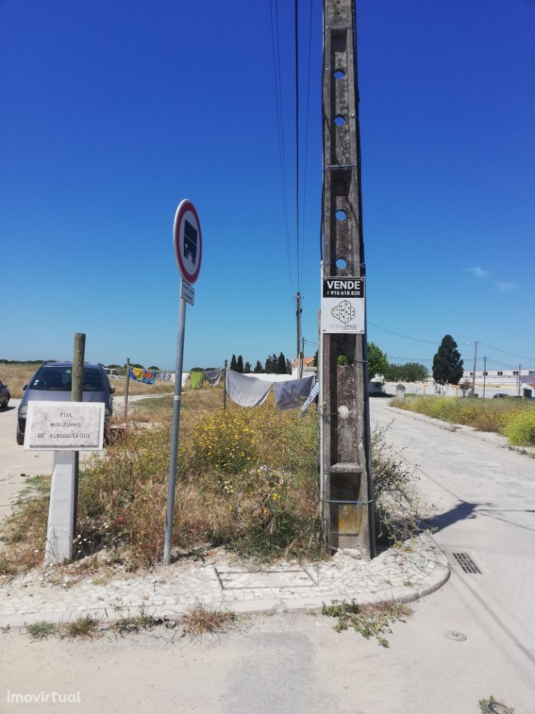 Terreno Samouco para construção