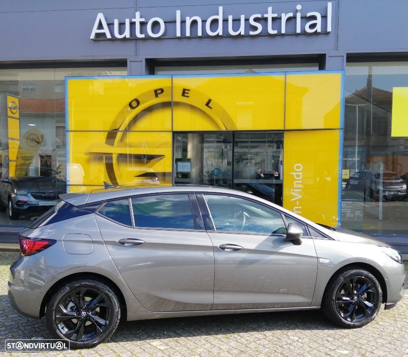 Opel Astra 1.2 T Ultimate S/S - 1