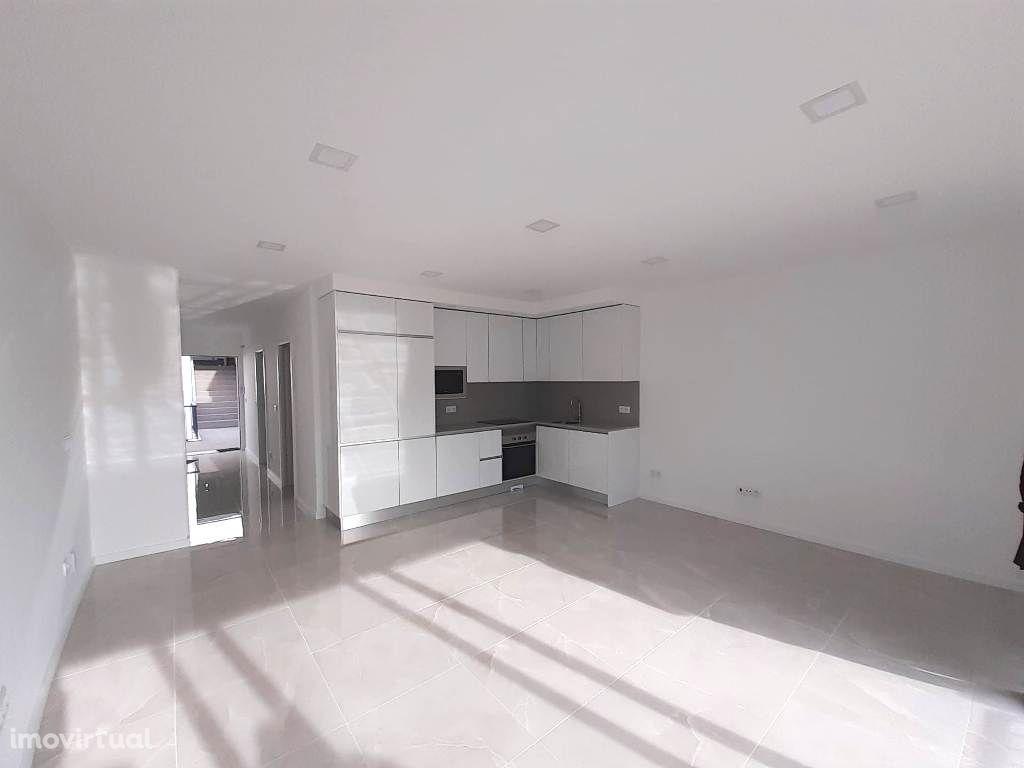 Apartamentos T1 Novos com Vista Mar