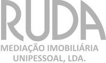 Este apartamento para comprar está a ser divulgado por uma das mais dinâmicas agência imobiliária a operar em Mafamude e Vilar do Paraíso, Vila Nova de Gaia, Porto