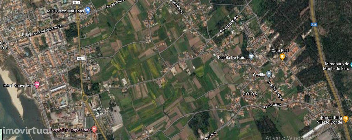 Terreno urbano com moradia pré-fabricada, Marinhas