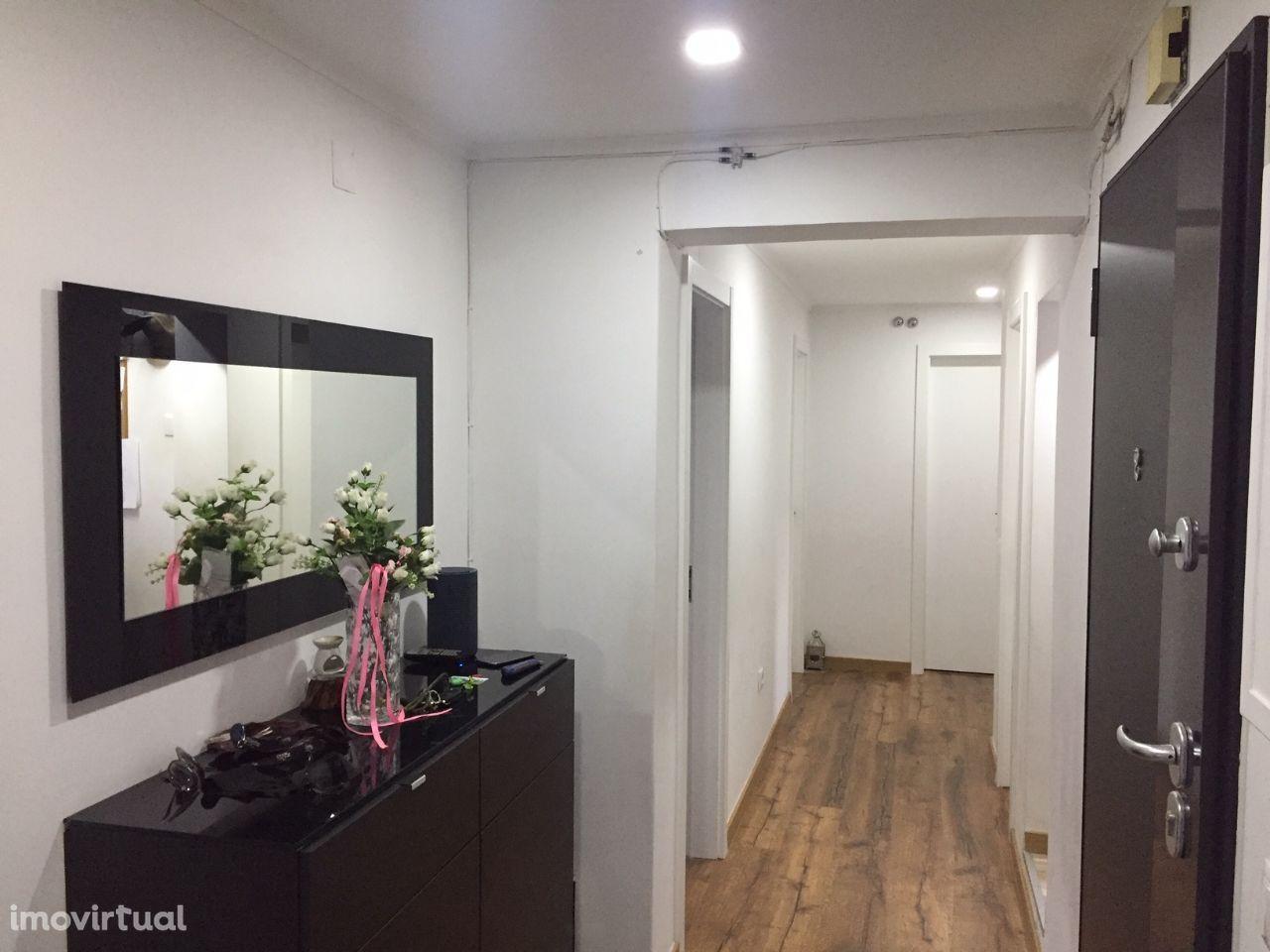 Apartamento T3 Totalmente Remodelado Alto do Seixalinho -Barreiro