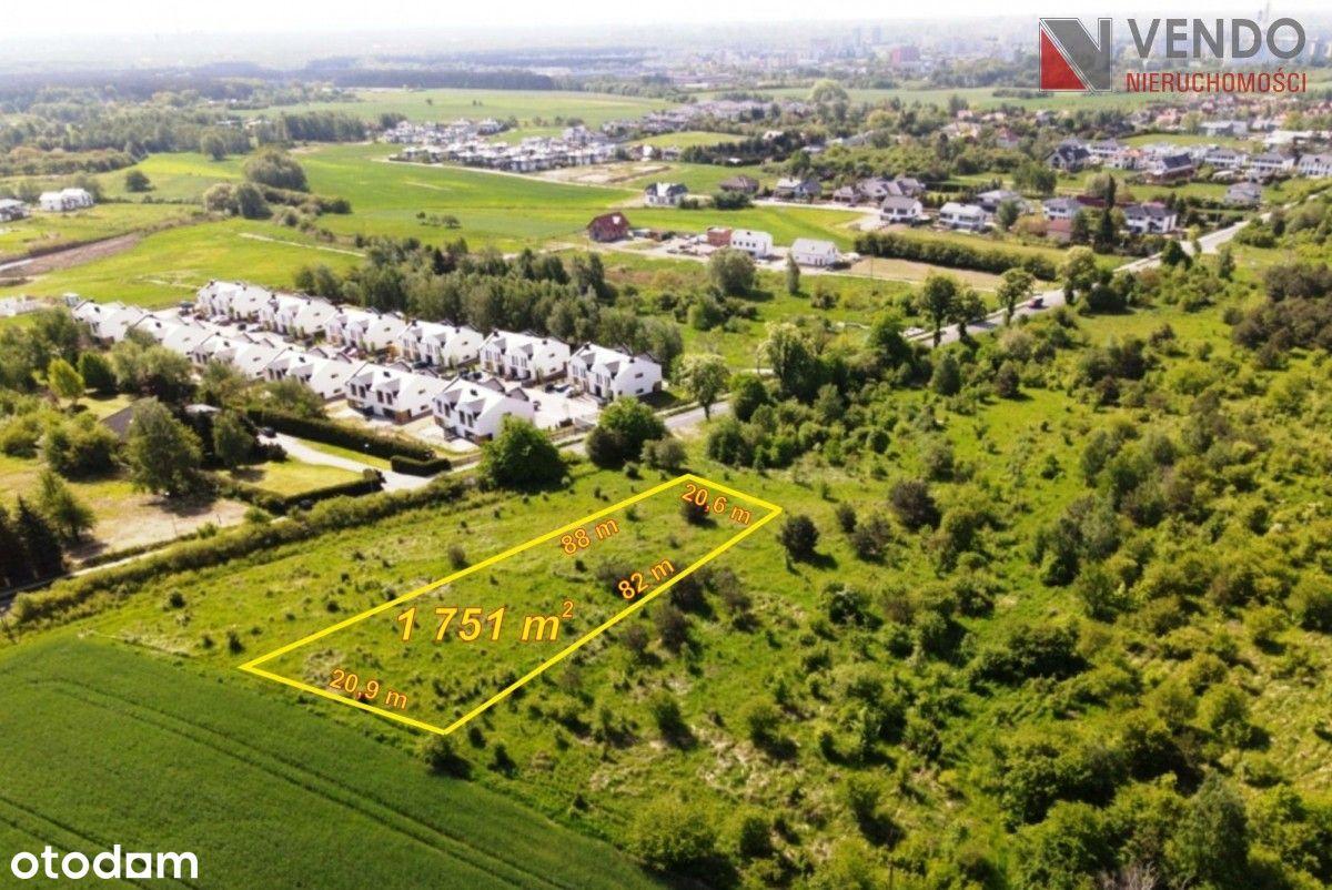 Działka w spokojnej okolicy, tereny zielone !