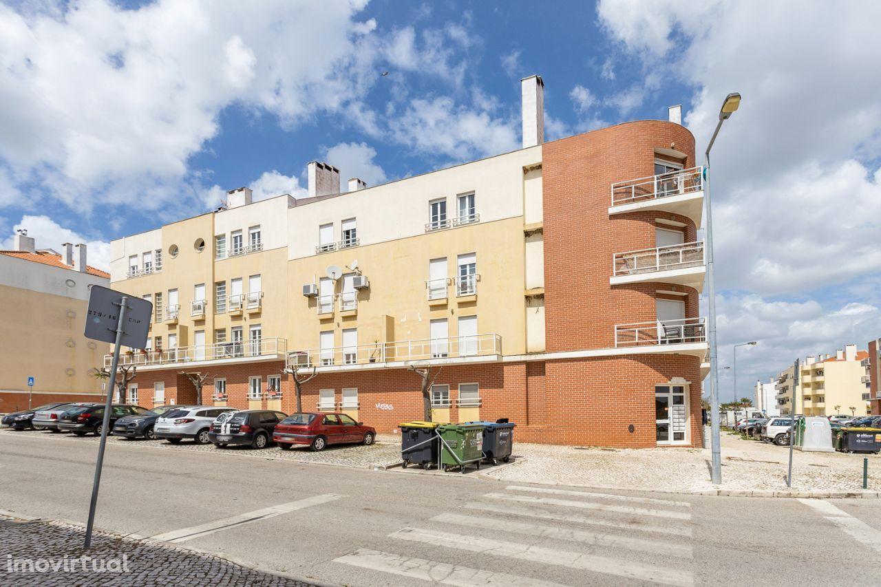 Apartamento T2 com arrecadação no Pinhal Novo