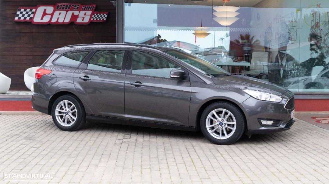 Ford Focus SW - 15