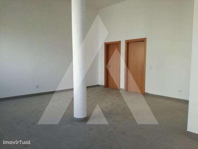 Loja para arrendar, Albergaria-a-Velha e Valmaior, Aveiro - Foto 1
