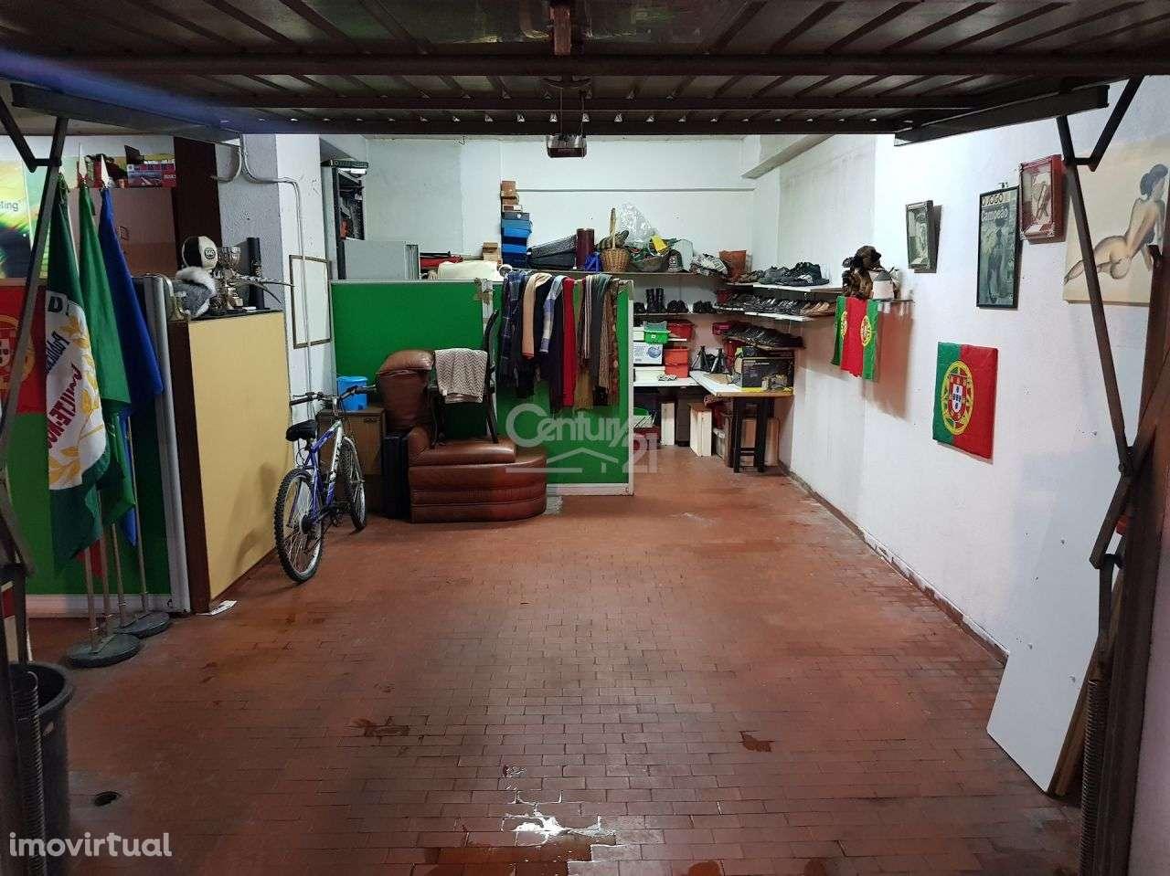 Garagem para comprar, Massamá e Monte Abraão, Lisboa - Foto 4