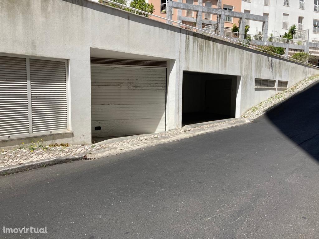 Garagem em São Domingos de Benfica, Laranjeiras