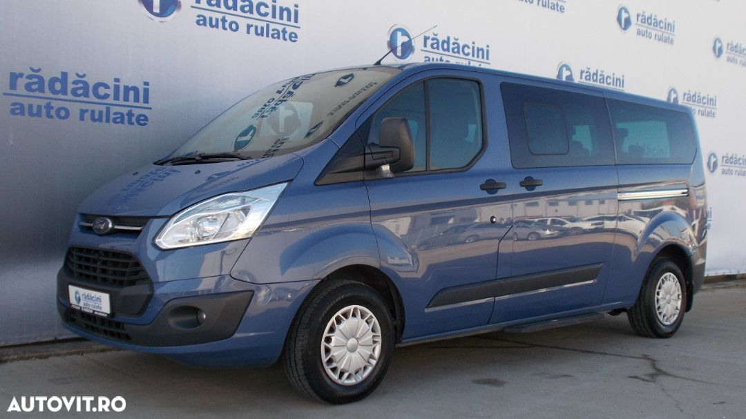 Ford Tourneo Custom - 1