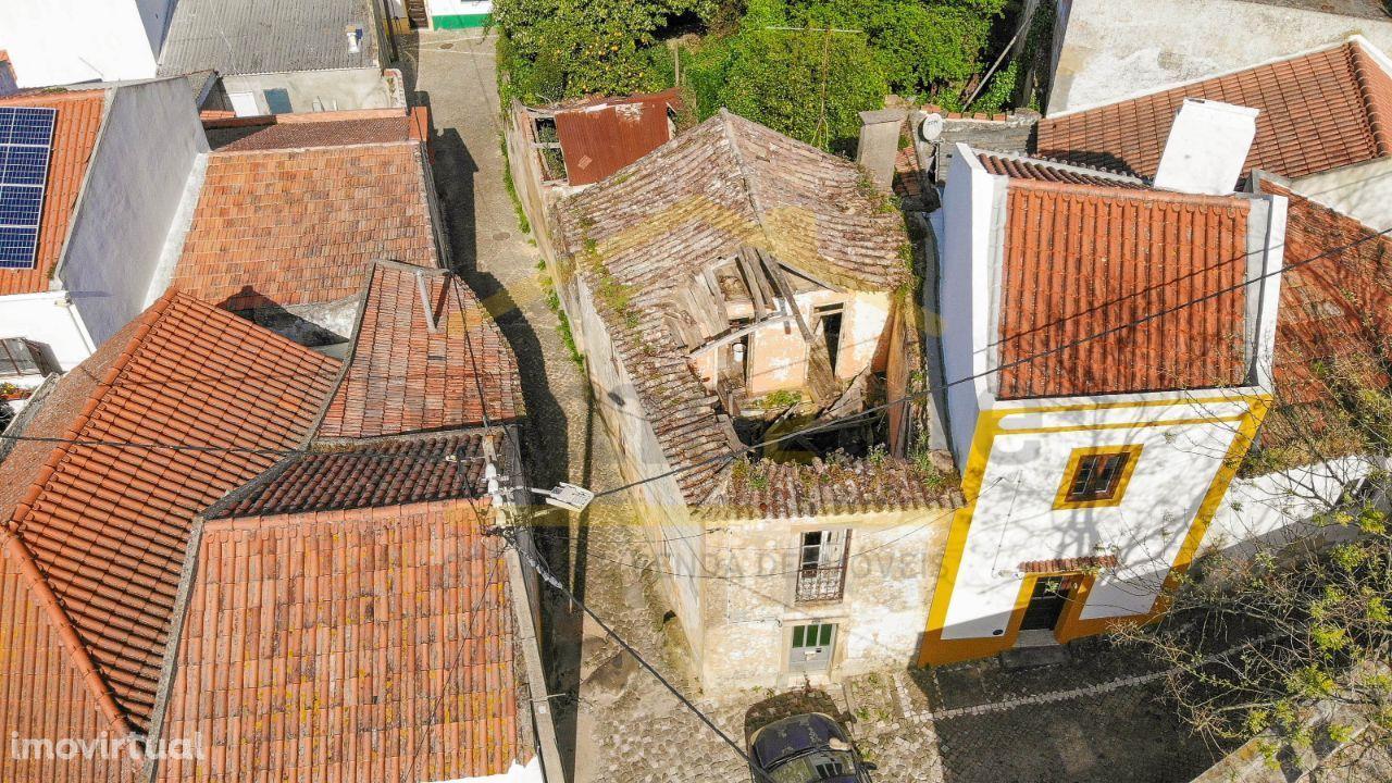 Moradia T3 para recuperação total- Cachoeiras, Vila Franca de Xira