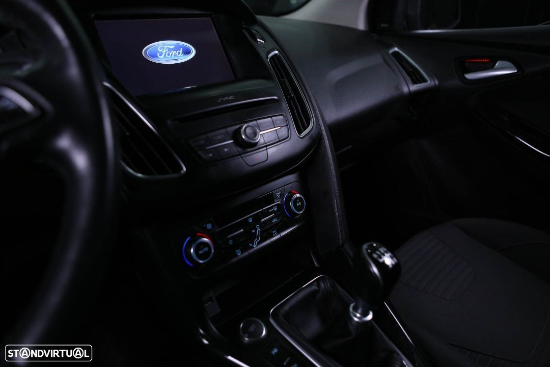 Ford Focus SW - 31