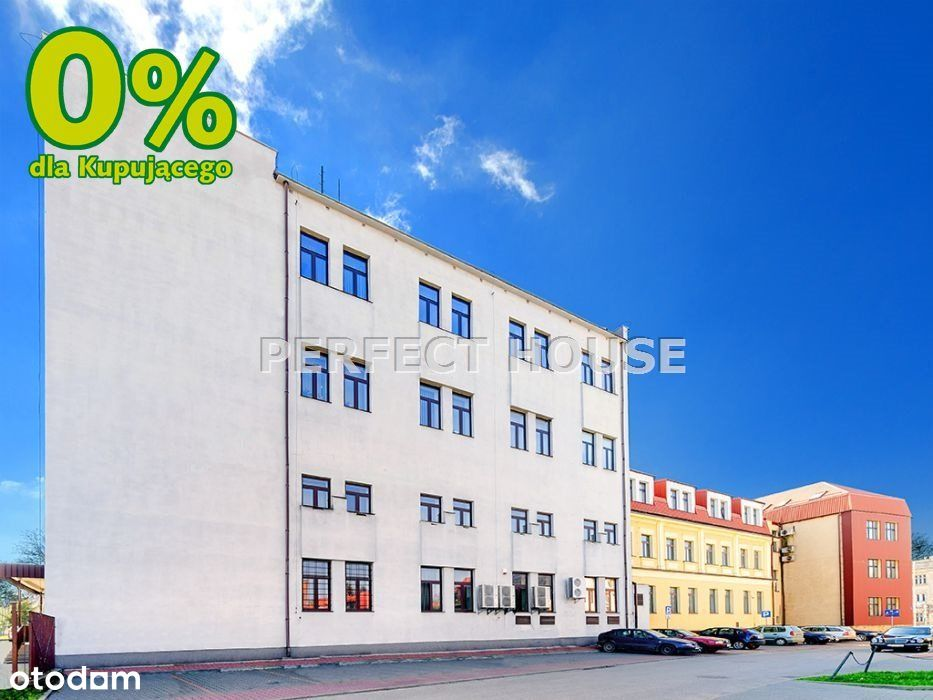 Budynki biurowe z dużą działką w centrum Zamościa