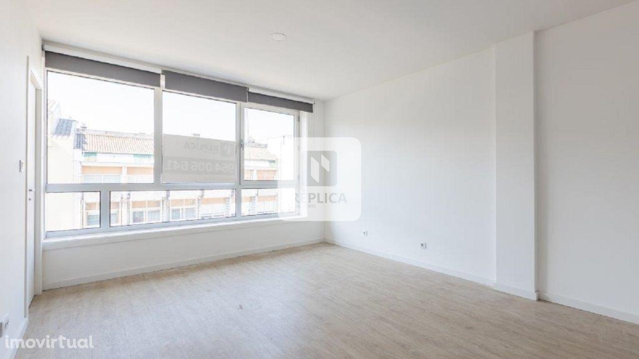 Apartamento T2 Renovado, junto à Rotunda da Boavista