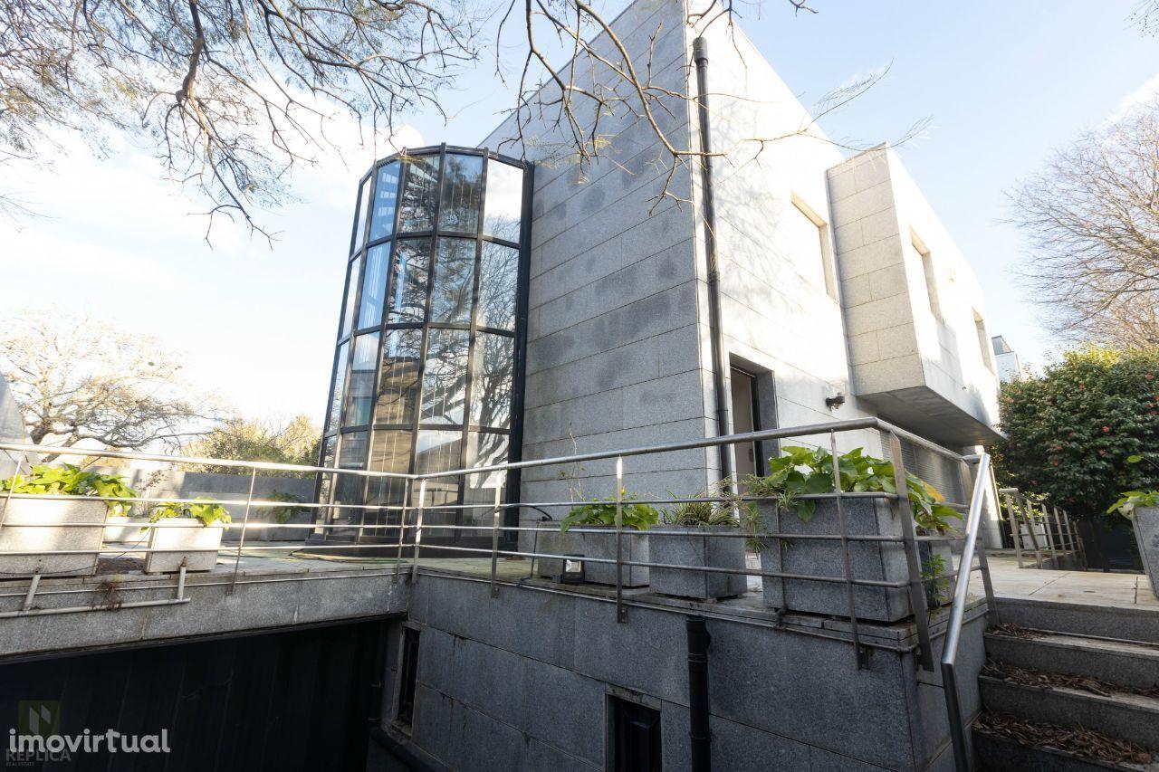 Moradia Isolada T4 - Avenida Marechal Gomes da Costa