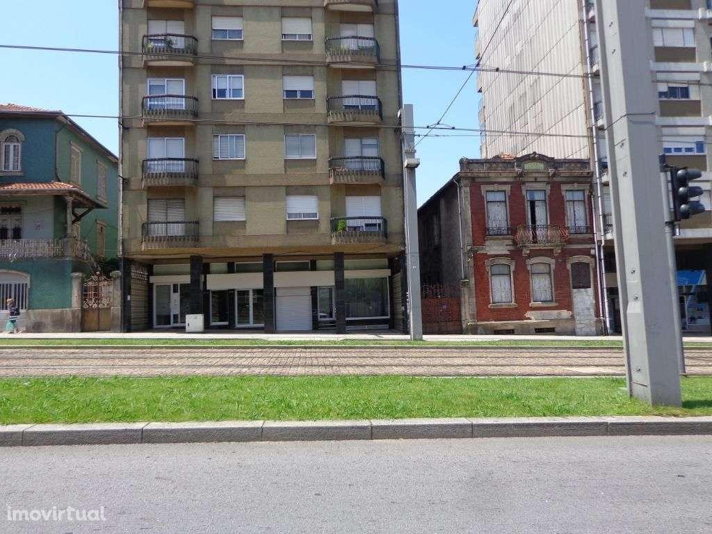 Garagem para arrendar, Santa Marinha e São Pedro da Afurada, Porto - Foto 1