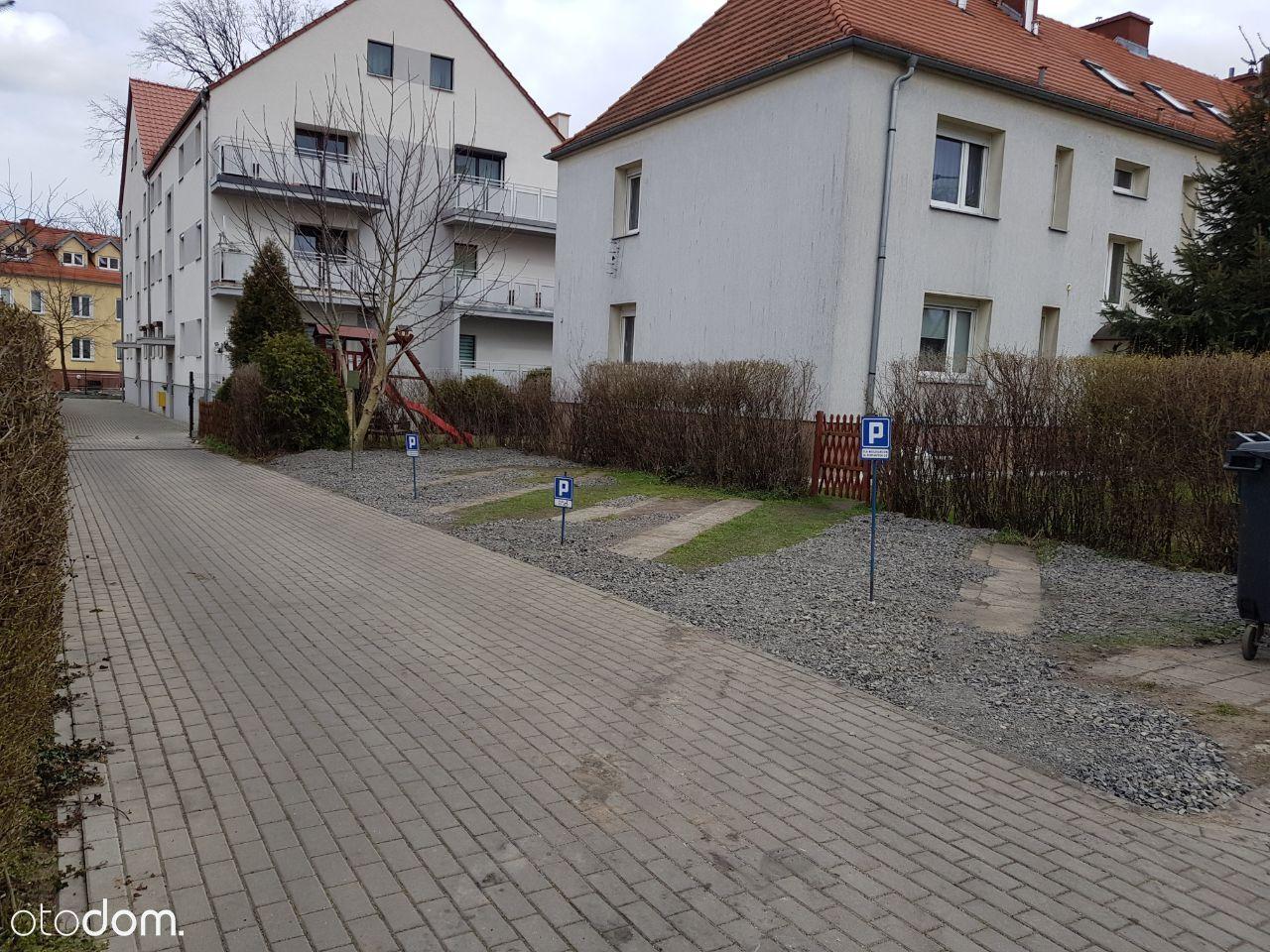 Mieszkanie z ogródkiem / zamienię na dom