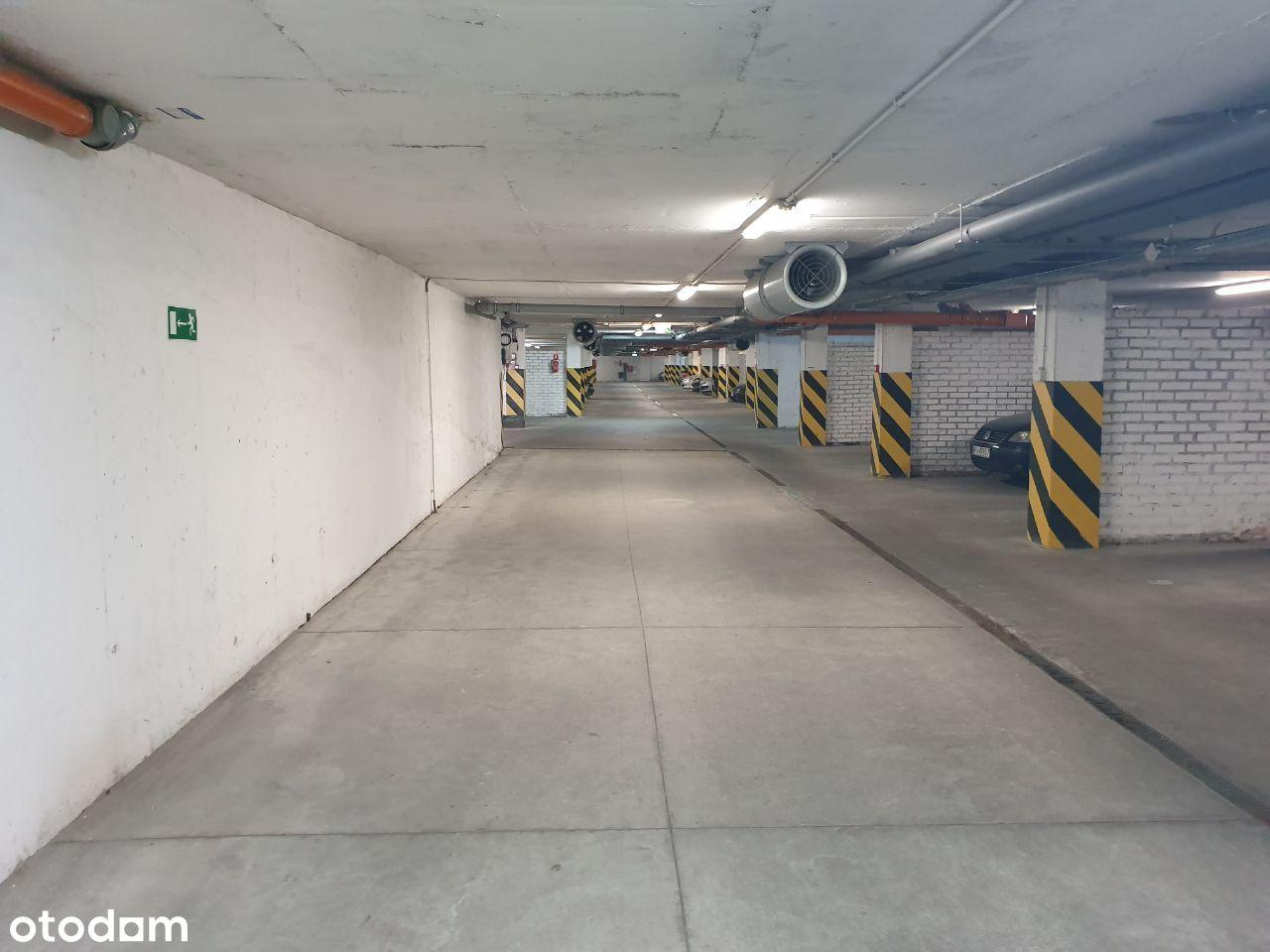 Miejsce w Parkingu podziemnym ul Puławska 45 C Pia