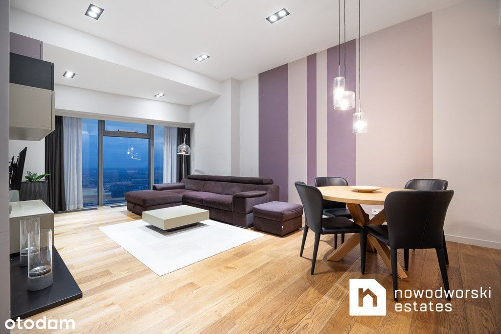 Sky Tower - apartament na 43 piętrze