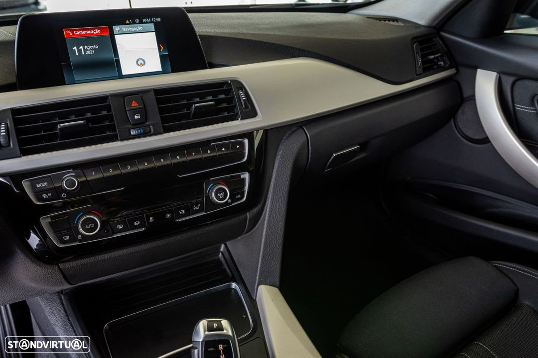 BMW 318 d Touring Ultimate Auto - 8
