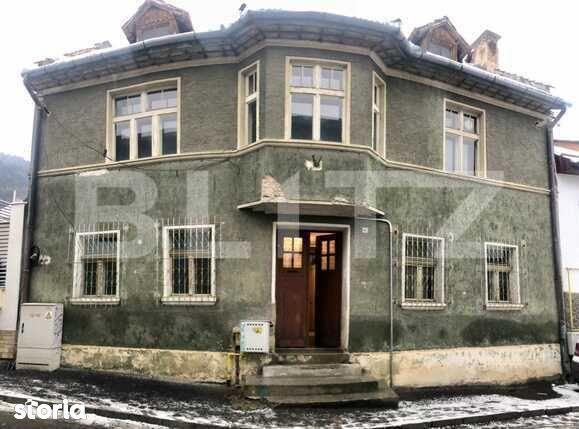 Casa spatioasa, 4 camere, Centrul Istoric