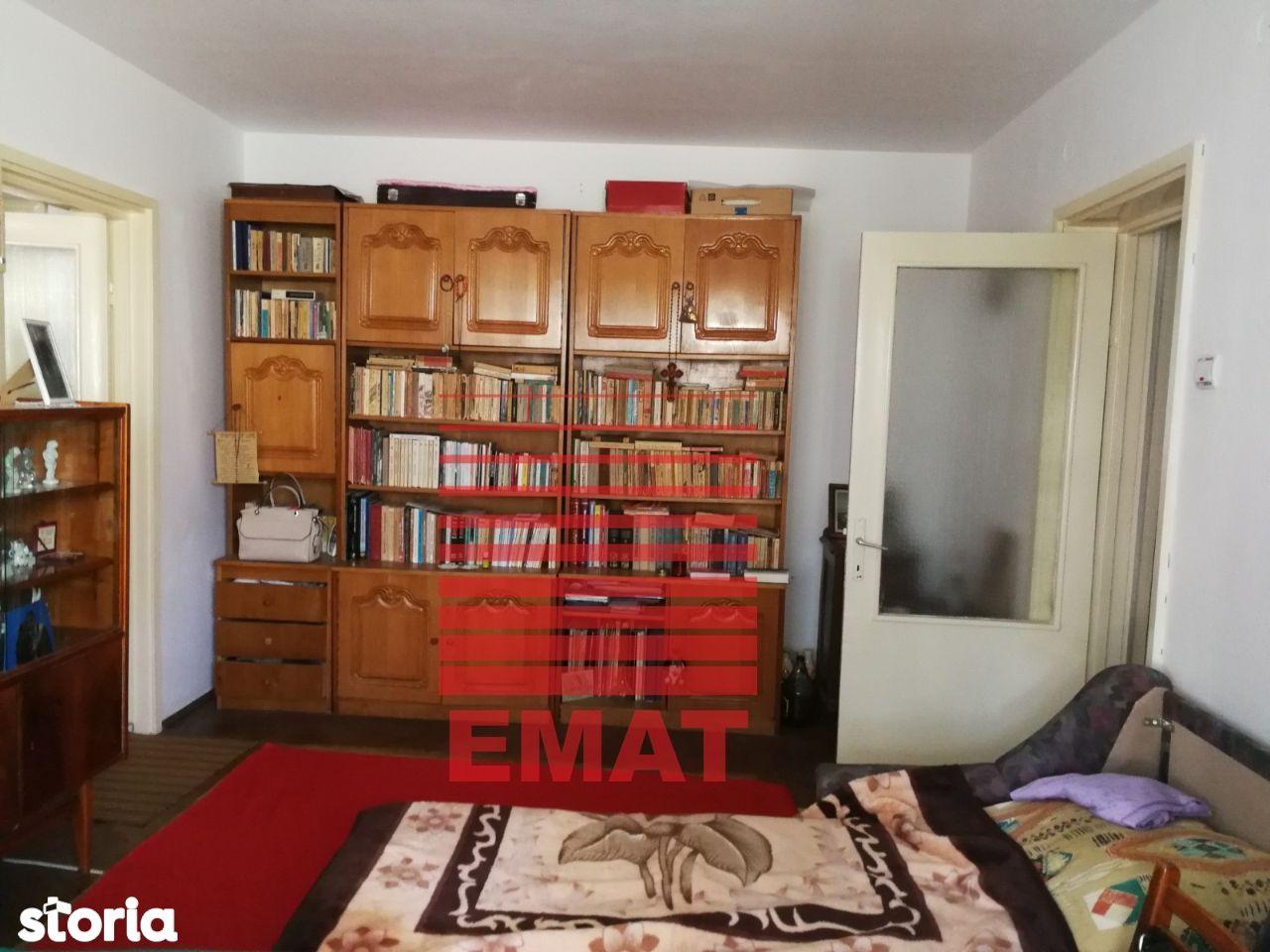 Vanzare apartament 2 camere in zona Nord-Cameliei 71