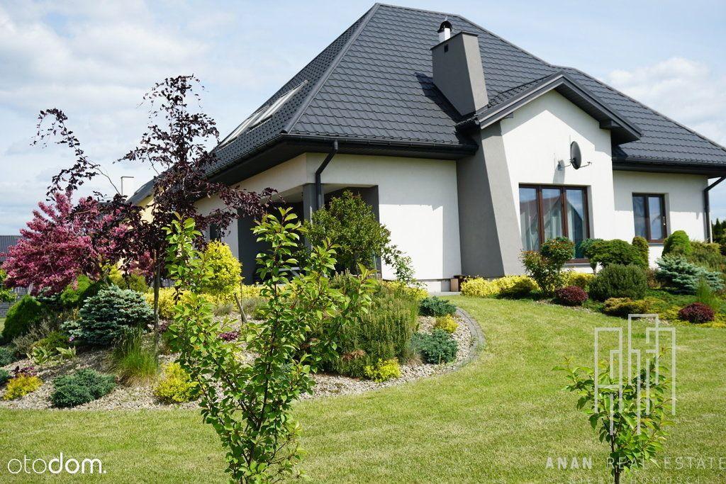 Rodzinny dom z pięknym ogrodem