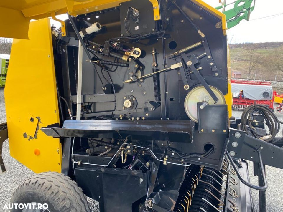 New Holland BR6090 - 5