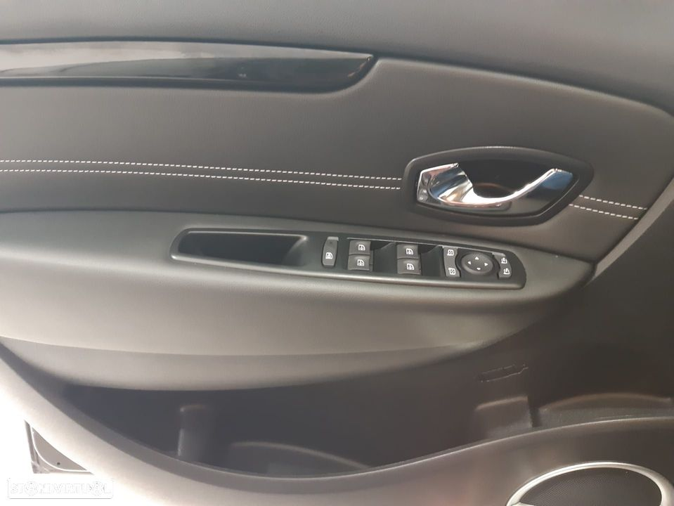 Renault Grand Scénic ver-1-6-dci-bose-edition-ss - 12