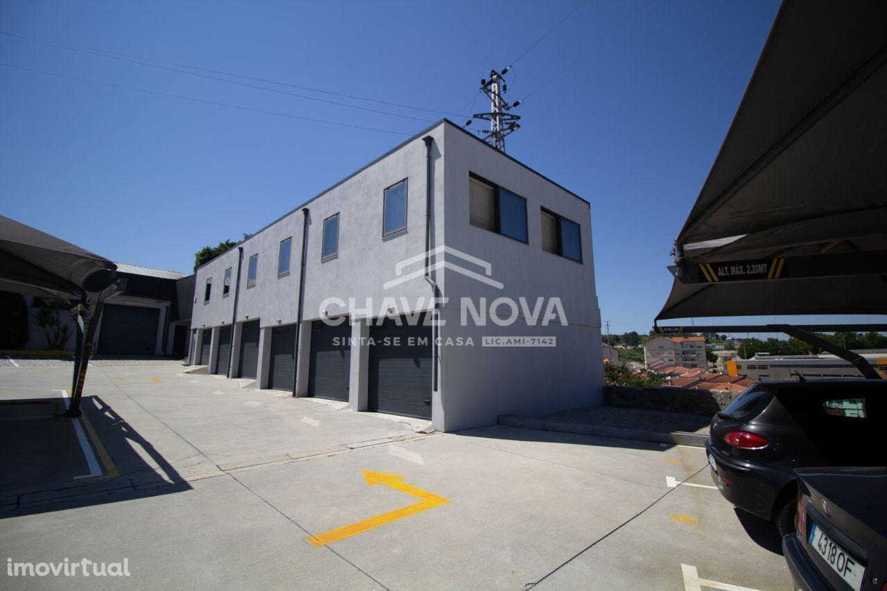 Apartamento T3 + Armazém + Parque privativo- Rio Tinto