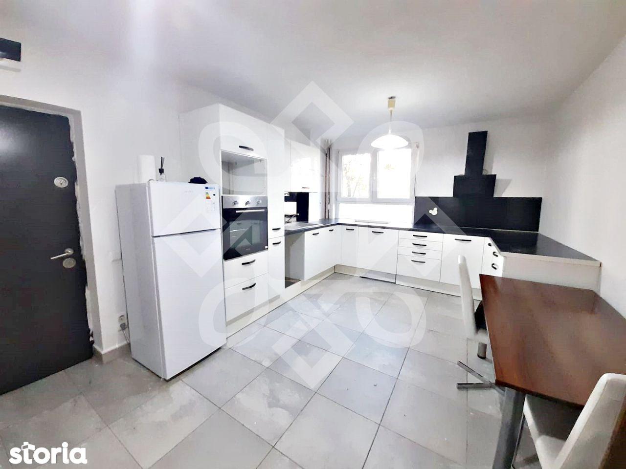Apartament trei camere de vanzare, Rogerius, Oradea