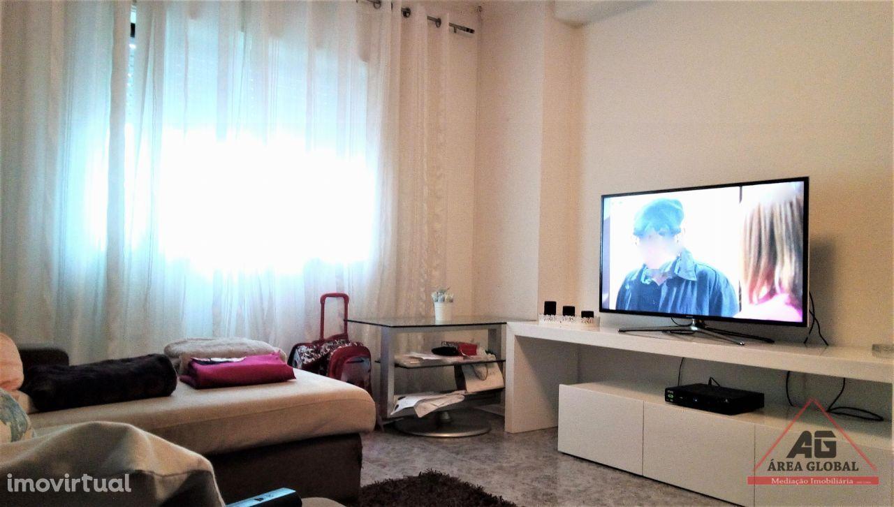 Apartamento T4 Duplex com garagem a 150 metros da praia em Averomar