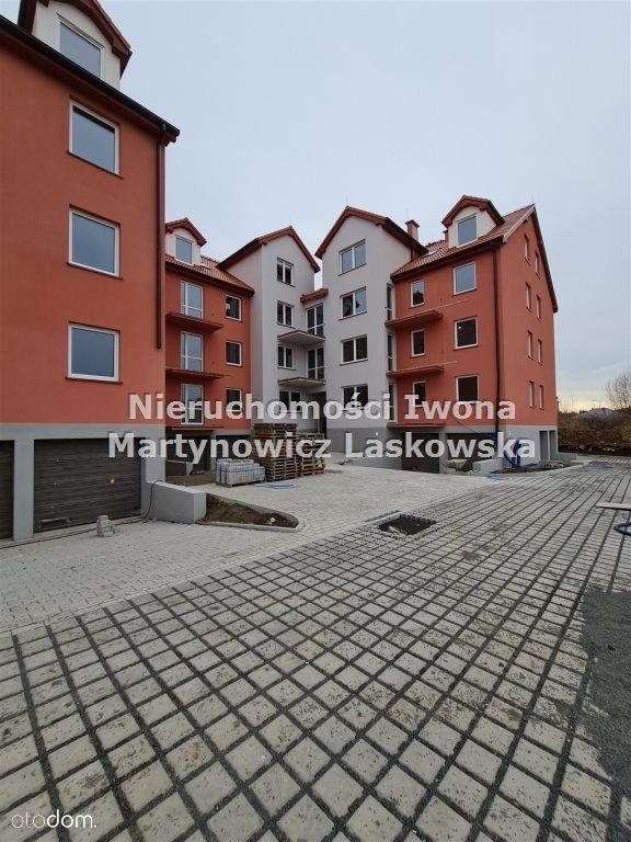 B23 - 2-poziomowe mieszkanie z komórką w cenie