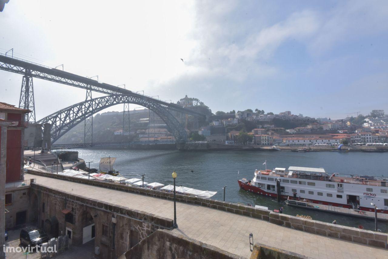 Apartamento T2 na Ribeira do Porto