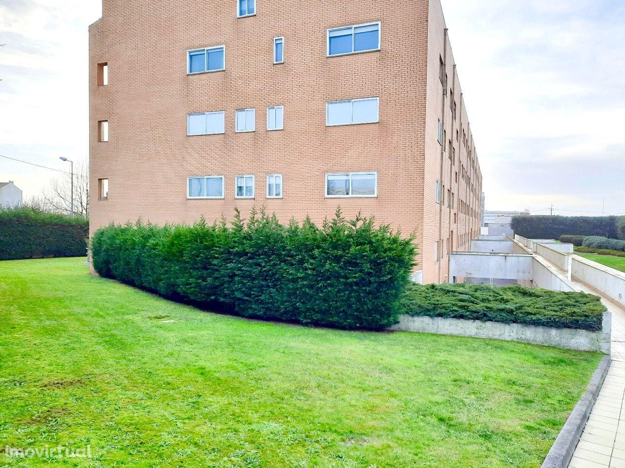 Apartamento T2 Renovado | Condomínio Fechado | Leça da Palmeira