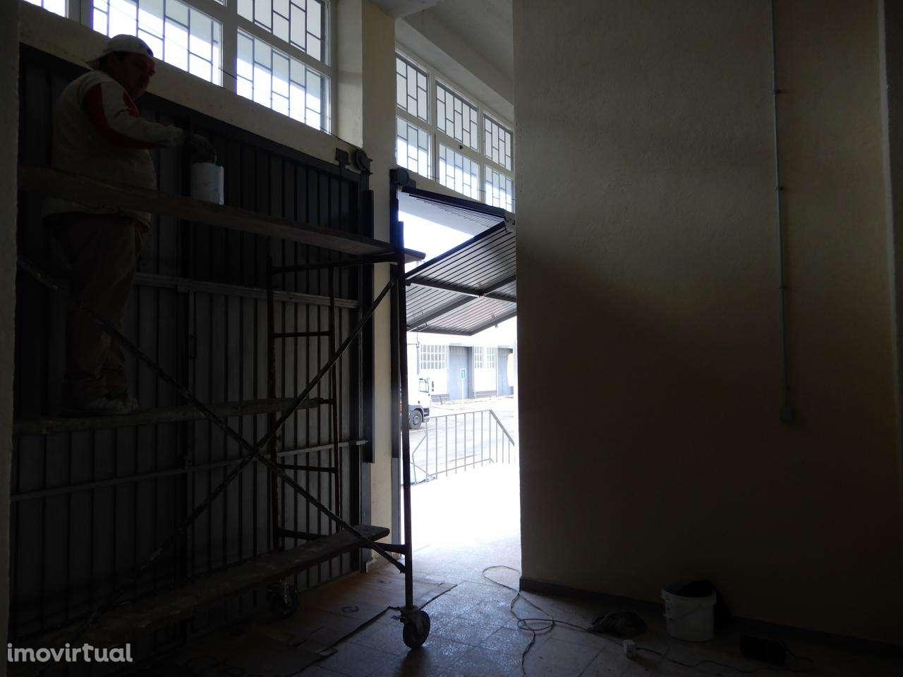 Armazém para arrendar, Santa Iria de Azoia, São João da Talha e Bobadela, Lisboa - Foto 5