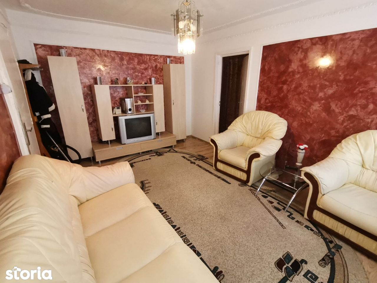 INCHIRIEZ apartament 2 camere semidecomandat,zona Terezian