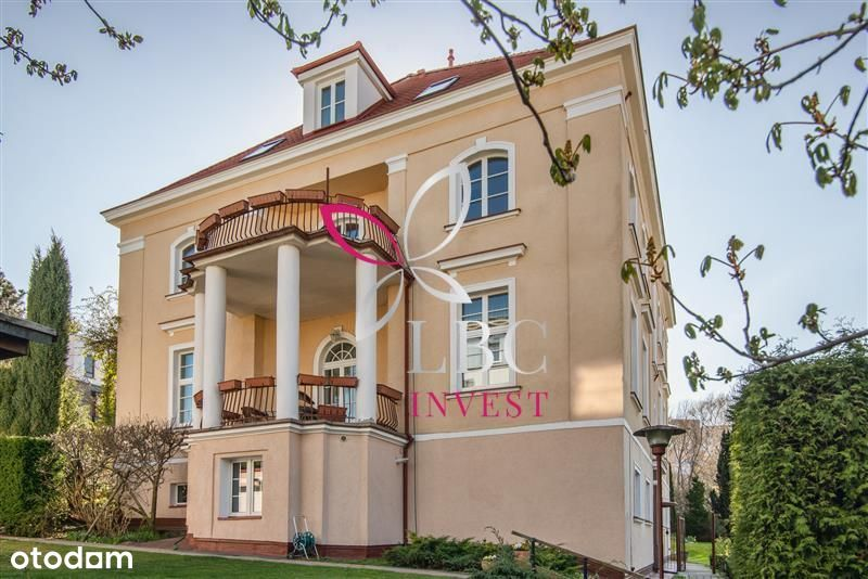 A pre-war villa in an attractive location – at the
