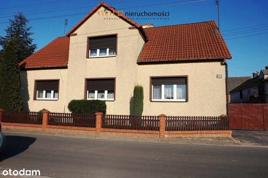 Dom z budynkami gospodarczymi Kąkolewo