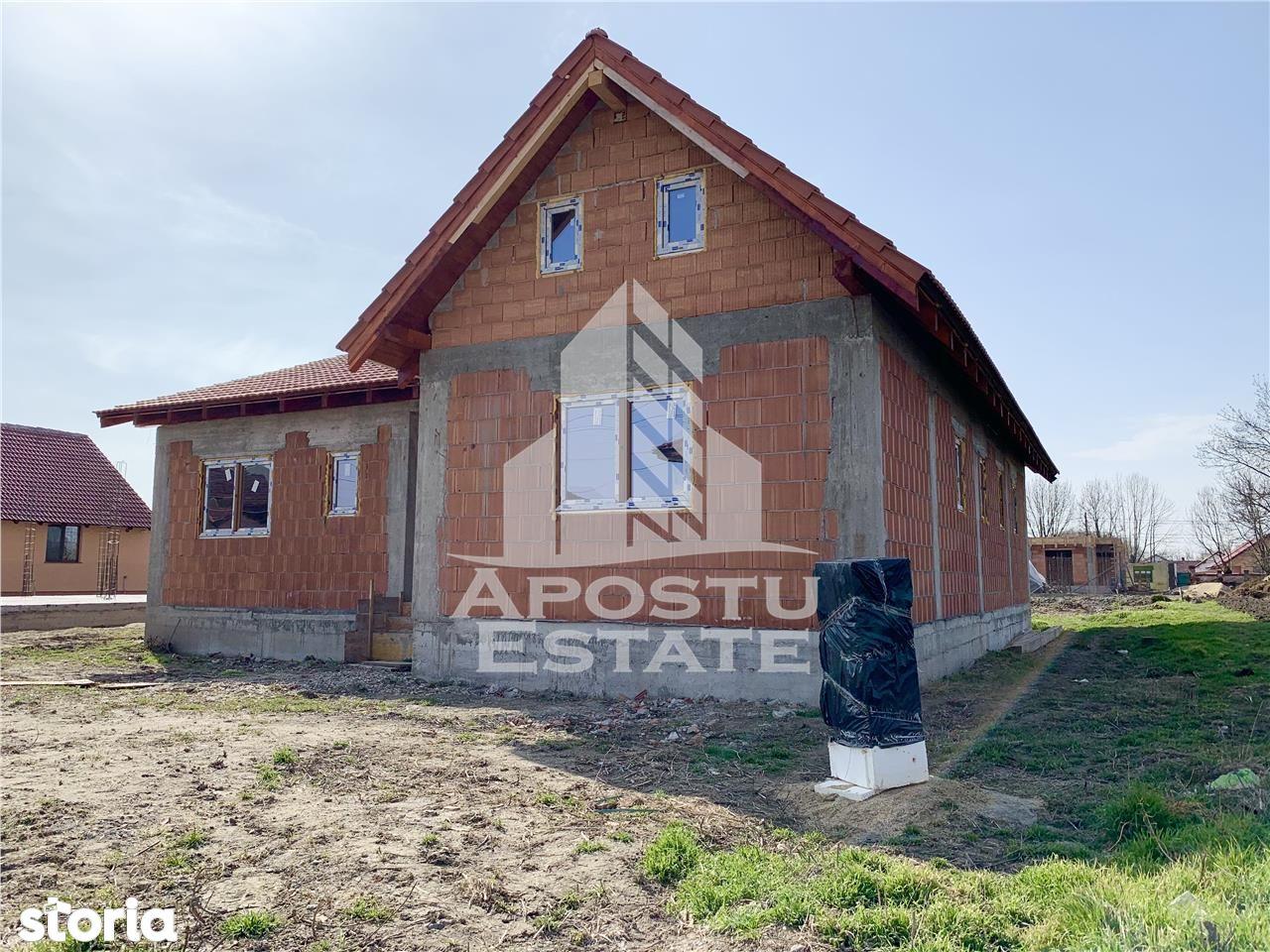 Casa pe parter cu 3 camere, Sanmihaiu Roman