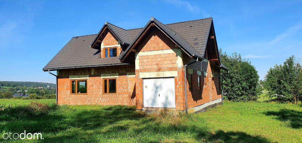 Dom w stanie surowym zamkniętym w Kisielowie.