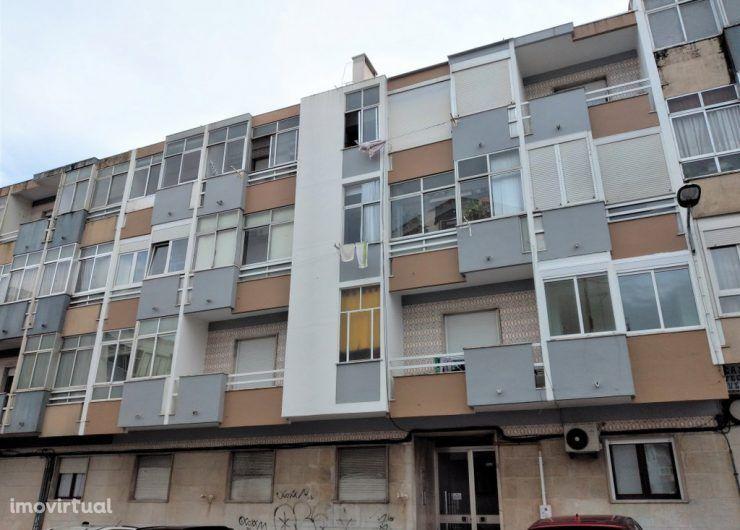 Apartamento T2 – Buraca