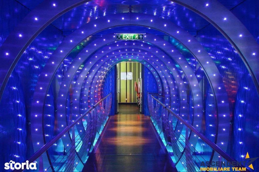 Restaurant\/ Club Privat etc, pe fila Cetatii Istorice a Brasovului,